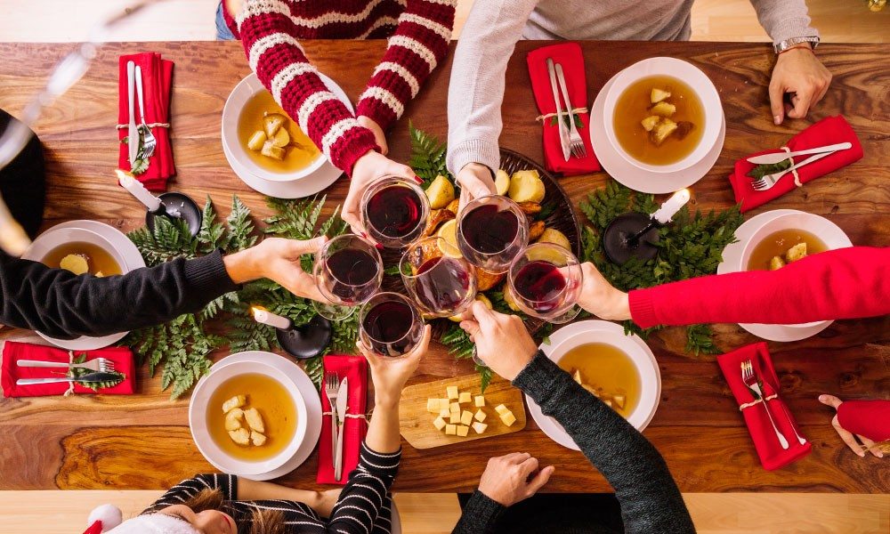 como decorar a mesa com vela de natal